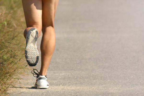 膝の痛みの原因は…走り方⁉ ~痛みに悩んだら我慢せずよこすか整骨院へ~